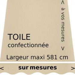 Toile acrylique unie couleur ivoire (RAL 1014) confectionnée à vos dimensions avec lambrequin de forme vague.