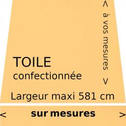 Toile unie couleur jaune paille (RAL 1023) avec lambrequin de forme droite : votre toile aux dimensions de votre store.