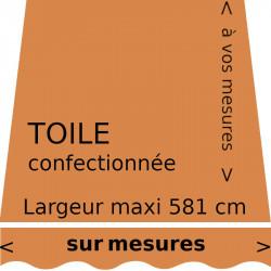 Toile unie couleur sable = brun orangé (RAL 8023). Toile de store et lambrequin vague à vos mesures.
