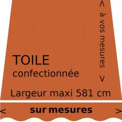 Toile unie couleur safran (RAL 2010) et son lambrequin en forme de vague. Personnalisés à vos mesures.
